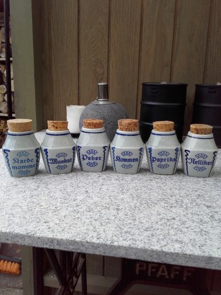 Søholm krydderikrukker
