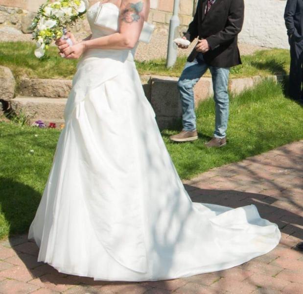 Pæn brudekjole