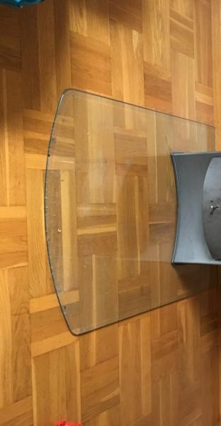 Glasplade til brændeovn - Ahornvænget - Brugt glasplade til brændeovn. 85×110 cm. - Ahornvænget