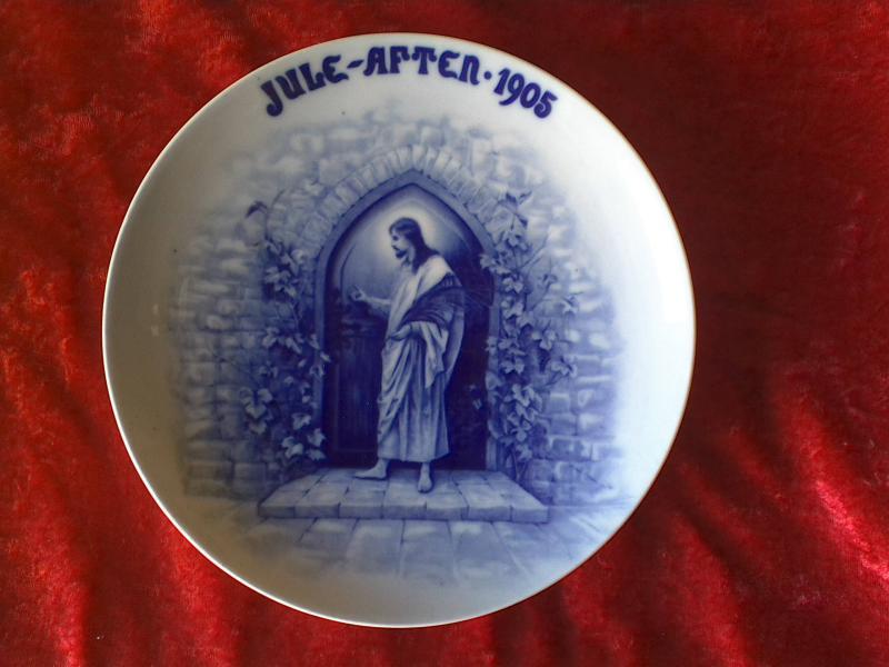 """Juleplatte Bucha & Nissen - Elsøvej 173 - Bucha & Nissen Juleplatte 1905 Diameter: 8,2″ – 21,3 cm Motiv Jesus: """"Se jeg står for døren og banker""""…. - Elsøvej 173"""
