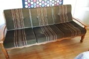 Sofa og 2 stole i syret eg