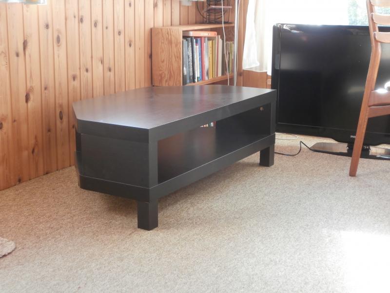 TV- og spilkonsolmøbel