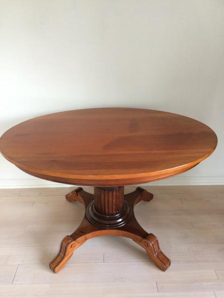 Oval bord
