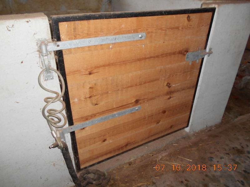 Stalddøre inkl hængsler/greb