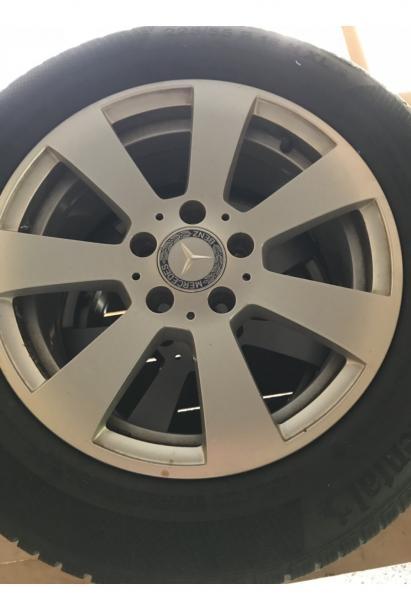Mercedes vinterhjul - Margretevej 5 - 4 stk. 16″ originale classic fælge med gode ContiContactVinter 225/55R16 En ventil er ikke tæt - Margretevej 5