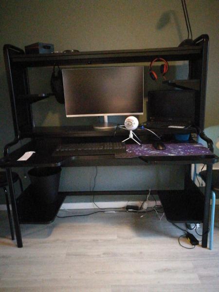 Gamer skrivebord