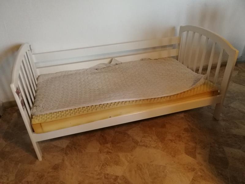 Juniorseng med madras