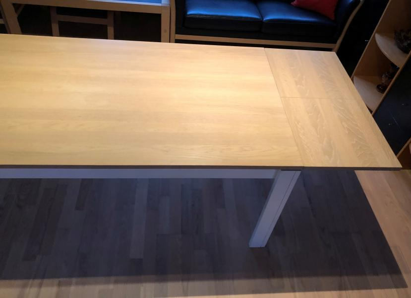Spisebord børstet eg m/udtræk
