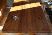 Spisebord, Træ lakeret