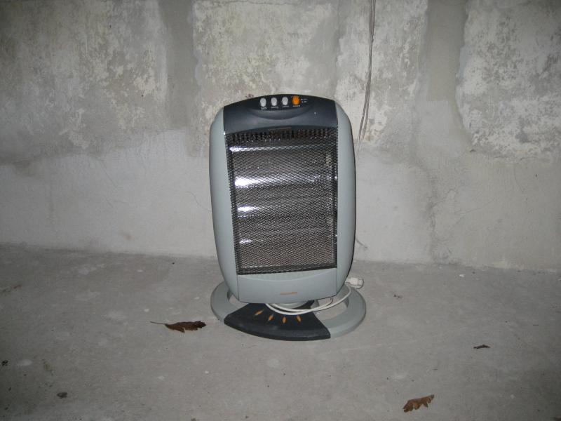 El varme - Skivevej 41 - El varmer på drejesokkel tre indstillinger 400 , 800 og 1200 W - Skivevej 41