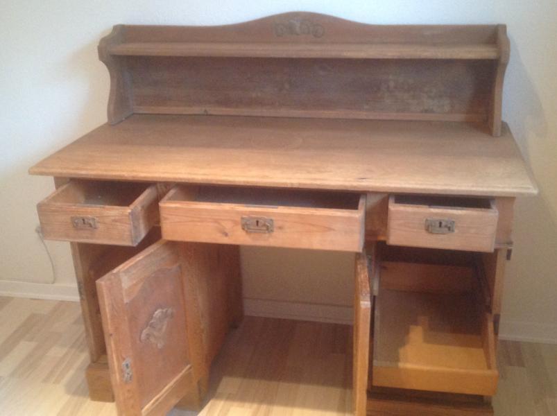 Antik skrivebord