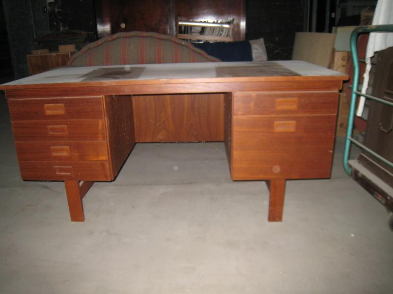 teaktræsskrivebord