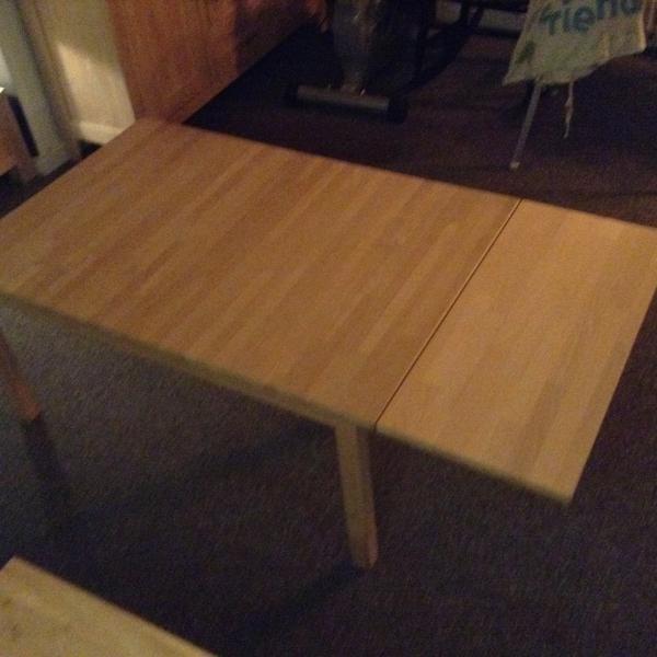 Sofabord - Vibevænget 56 - Massiv stavlimet bøg med klap. Mål: L. 111/145, b. 75, h. 52 cm. - Vibevænget 56