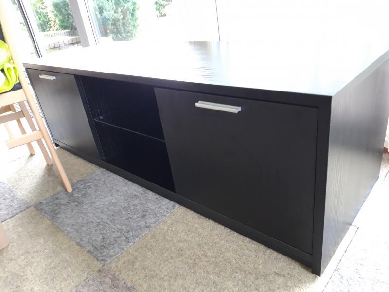 Flot og velholdt reol- TV-bord