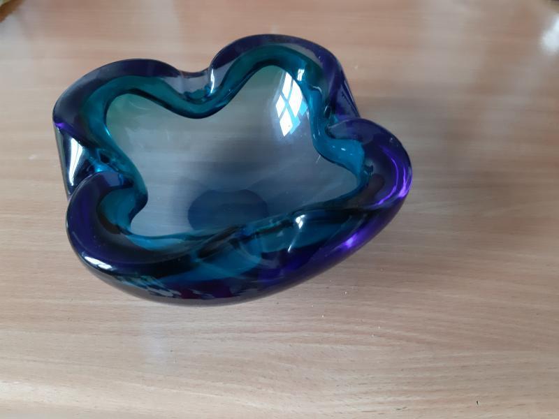 Smuk blå skål
