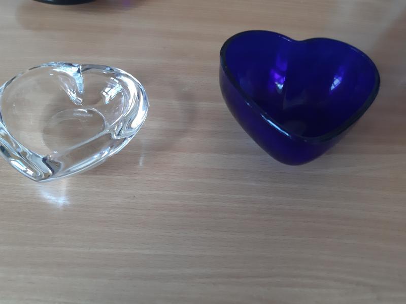 2 glas hjerte skåle