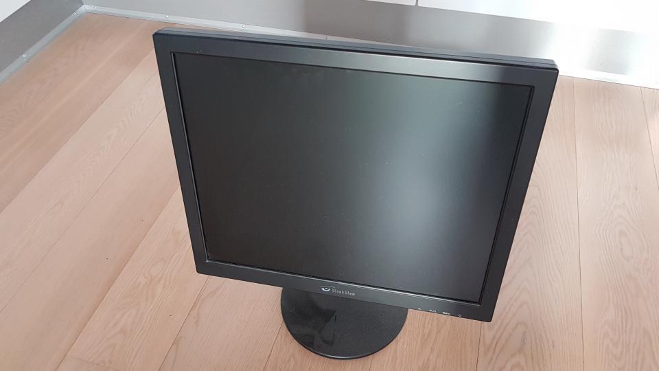 19″ skærm