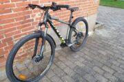 Næsten ny cykel med 27 gear