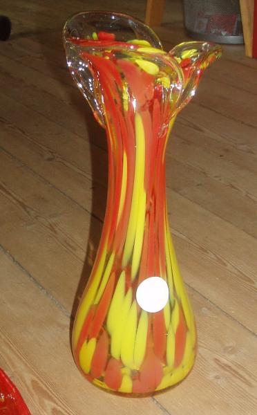 Spraglet vase. Finsk kunst gl