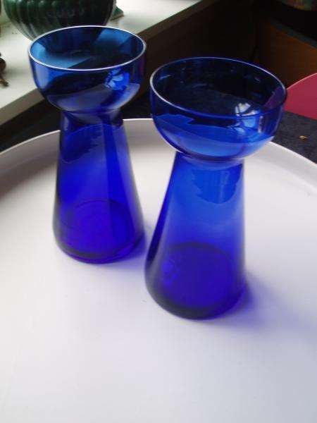 2 blå hyasint glas