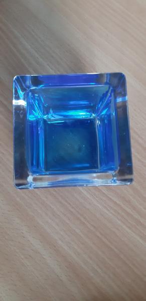 Blå glas skål