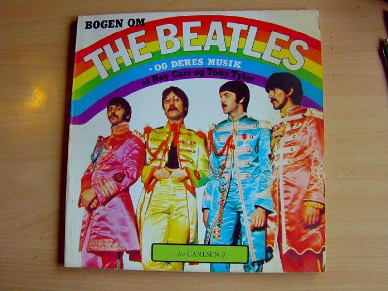 3 bøger med Beatles - Møllegade 22,1 Sal - nr 3 er lettere slidt - Møllegade 22,1 Sal