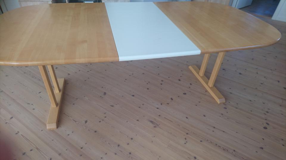 Lakeret bøgetræs spisebord