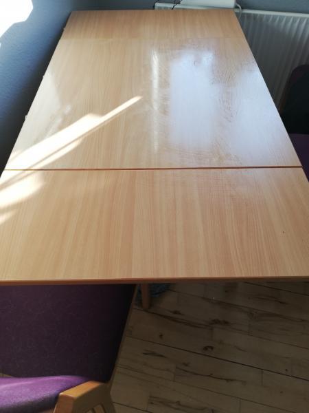 Flot bord sælges