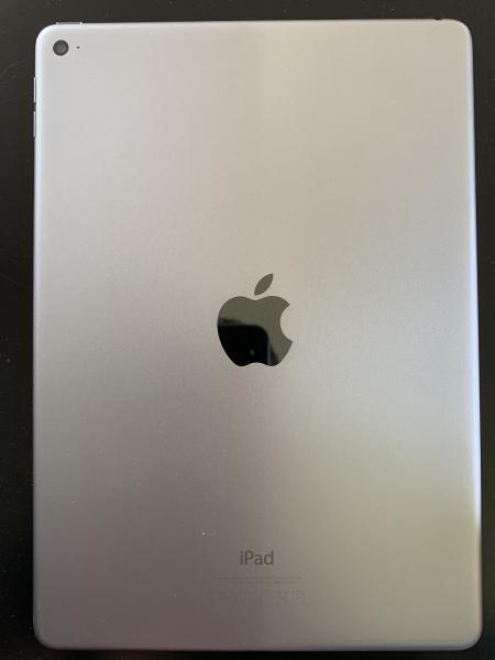 IPad air 2 128 GB - Brombærvej 51 - Flot iPad air 2, har altid været i cover og med panser glas. Står som ny, sælges grundet køb af ny. - Brombærvej 51