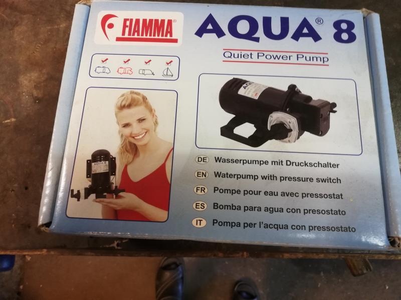 Vandpump campingvogn autocamer
