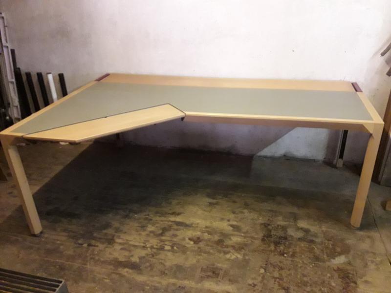 Skrivebord stor og speciel
