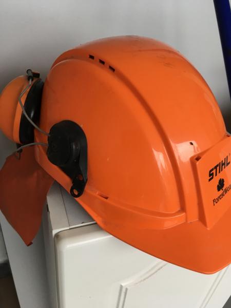 Sikkerhedshjelm med høreværn