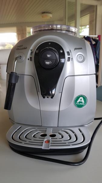 Fuldautomatisk kaffemaskine - Skolevej 6 Breum - Espresso, Philips, Saeco Xsmall, indbygget kaffekværn, aftagelig vandtank, mælkeskummer, energiklasse A. Kun brugt et halvt år. Som ny. Har ikke kvittering. - Skolevej 6 Breum