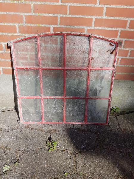 STALD VINDUE - Danmark - stald vindue, til indmurring. H: 71 / 76 cm , B: 79 cm - Danmark