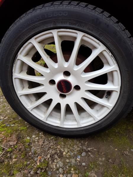 Vinterdæk på fælge - Porshøjvej 20 - Næsten nye dæk på alufælge sidder på aygo 195 50 r 15 Et 39 4×100 - Porshøjvej 20