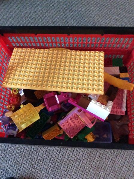 LEGO duplo - Agertoften 32 - LEGO duplo og noget hallo kitty er der også ny pris ca 800 - Agertoften 32