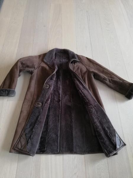 Frakke i Rulam - Vibevænget 36 Breum - Pæn brun dame Rulam frakke i str 38. 3/4 lang ( nyrenset) - Vibevænget 36 Breum