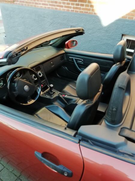 cabriolet - Brårupvej 11a - Mercedes Benz SLK 230 komp årg. 1999 uden afgift og med svenske papir. km 183000 bilen er brun/bronce. Køre godt regulær vogn.Automatisk tag der virker upåklageligt. Den rigtige model med 2,3 l motor og kompressor samt manuelt gear, n - Brårupvej 11a