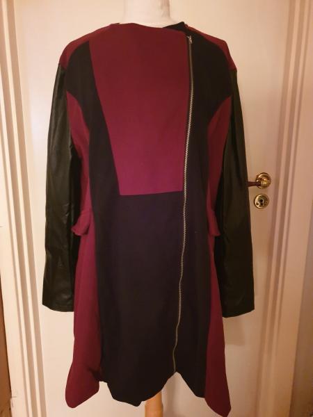 Helt ny dame jakke - Lisedalvej 17 - Flot ny dame jakke med fake læder ærmer, den er i A facon Str 46 Pris 400 kr - Lisedalvej 17