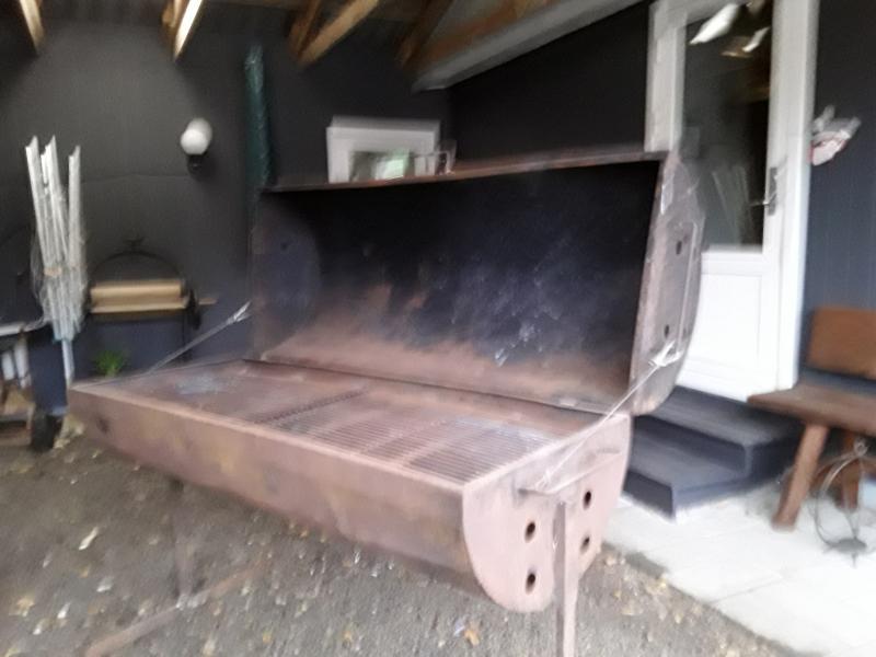 Stor grill - Lyngvej 10 - Stor have grill, mål 160 x 60 cm , trænger til lidt maling , ellers ok - Lyngvej 10