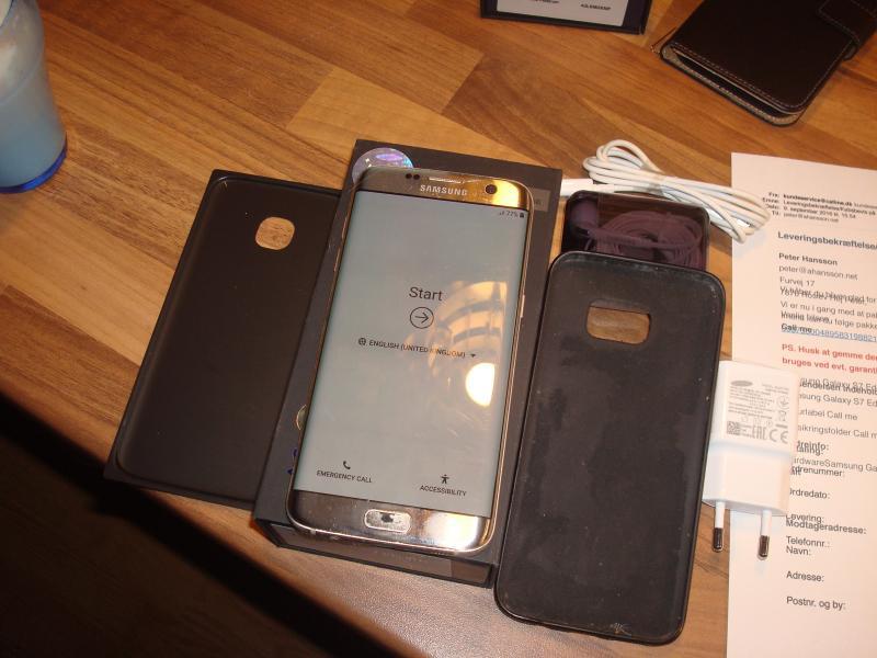 Samsung galaxy 7 edge, - Furvej 17, Selde - Galaxy 7 Edge. 32gb. org. emb. lader headset Sort backcover (pu) og købskvittering fra 09-09-16. Følgende er at bemærke: headset-stikket er i udu. Der er en lille knæk øverst se billede. Bagcover er skiftet til en pearlwhite Desvæ - Furvej 17, Selde
