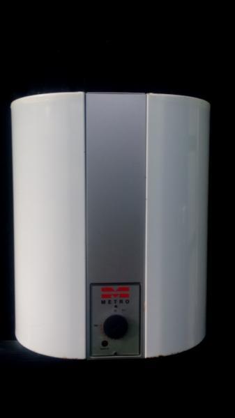 Metro vandvarmer 30L - Rylevej 14, Vendal - Metro vandvarmer 30L med sikkerhedsudstyr. Tilslutning til 230v - Rylevej 14, Vendal