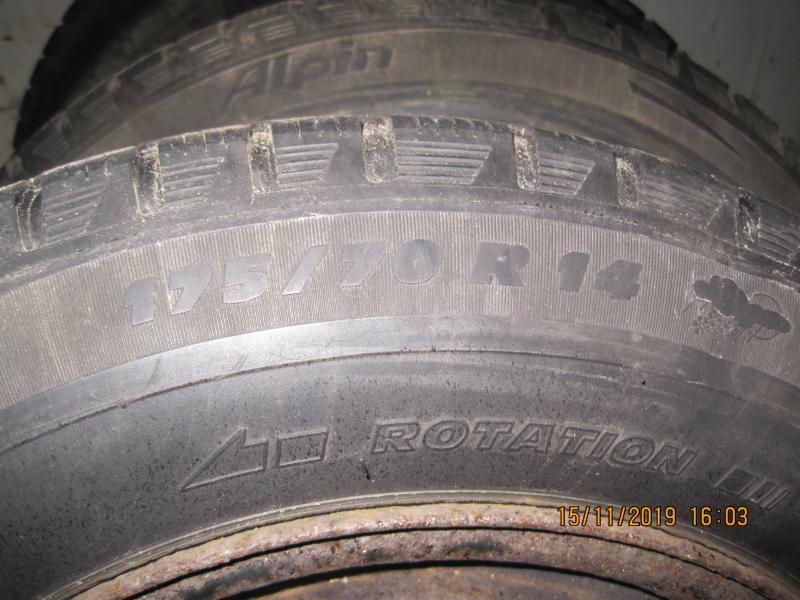 Vinterdæk - Yttrupvej 14 - 4 stk. Michelin Alpin vinterdæk på 4 huls stålfælge, ca. 5 mm. mønster. Størrelsen er 175/70×14 på fælg 51/2Jx14, ET 39 mm. (Samme rulleomkreds som 195/60×15 på 6Jx15, ET 45 mm. fælg) Passer derfor til rigtig mange gængse bilm