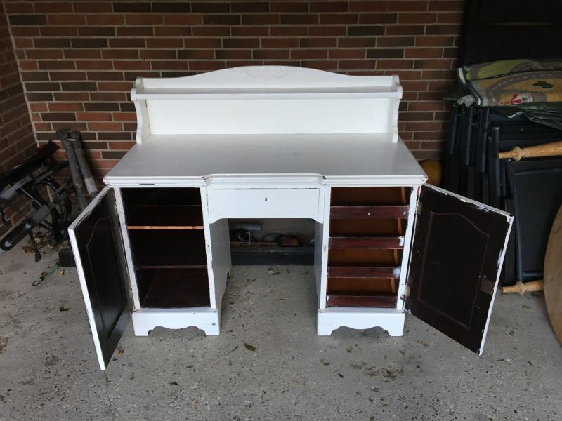 Massiv skrivebord - Druevej 31, 1 - Massiv skrivebord H 80 B 120 D 40 cm - Druevej 31, 1