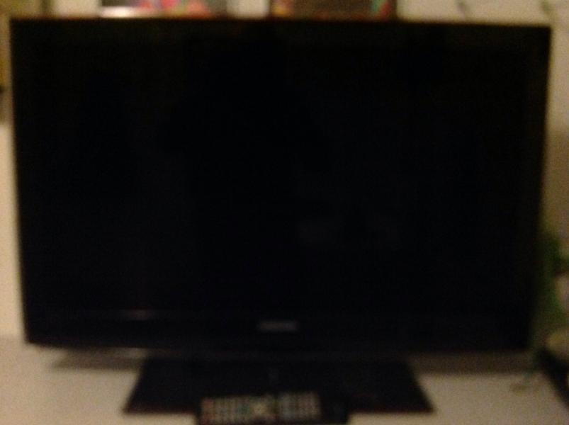 Samsung tv - Hyrdevang 7 Hem - 37″ Samsung Led tv Fra 2011 - Hyrdevang 7 Hem