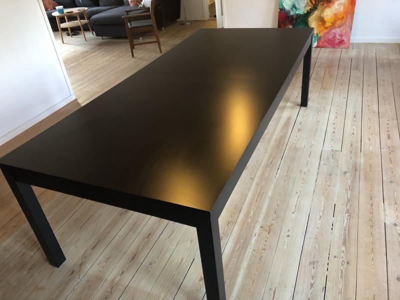 Spisebord model Bjursta
