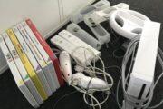 Wii med tilbehør og spil