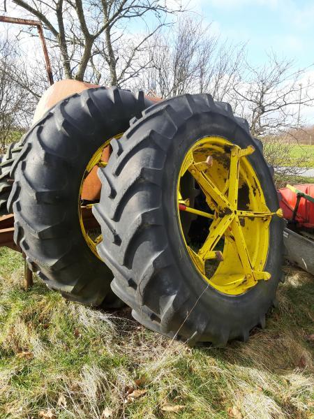 Tvilling hjul 16.9 R 38