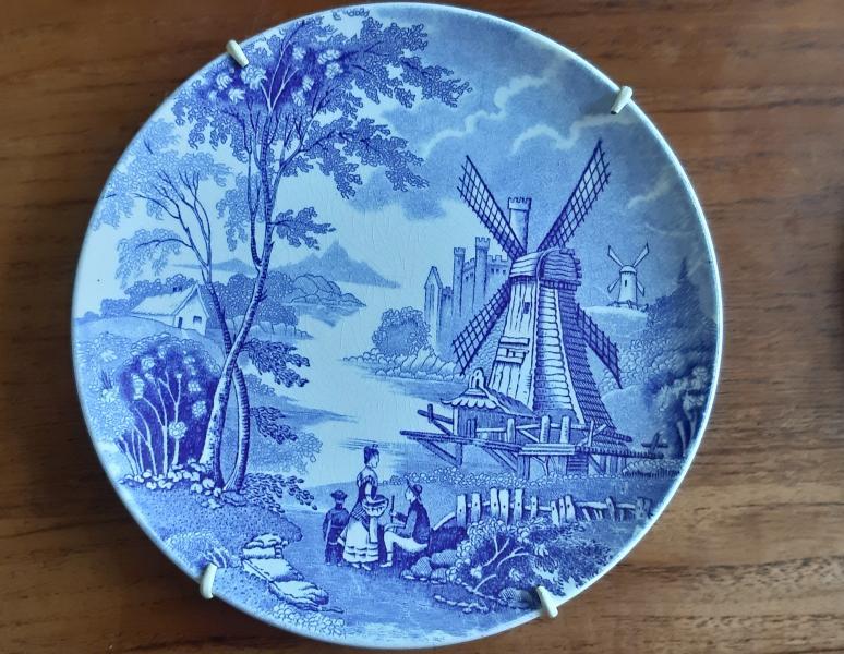 Platter med hollanske motiver