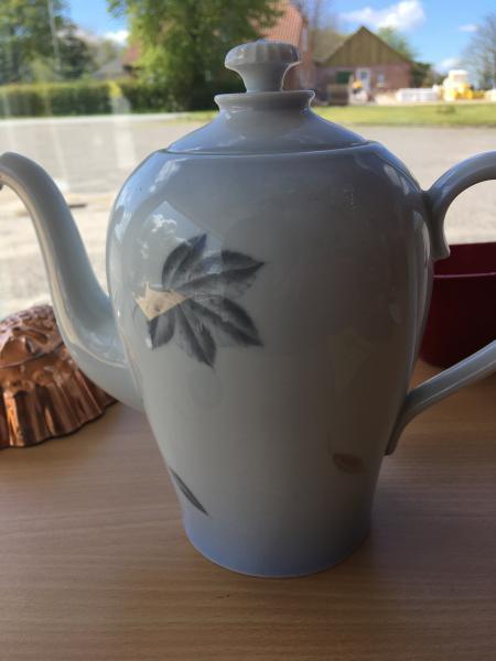 Porcelæns kaffekande, Løvfald